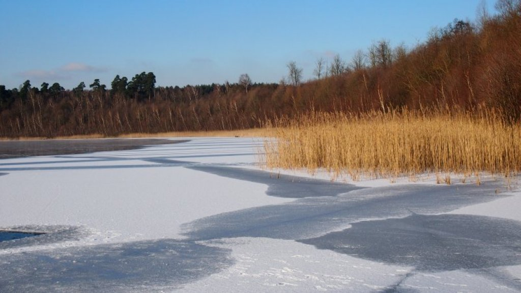 Wintersonne am See bei Oma Anna